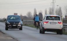 """Via Calatafimi, davvero una """"strada maledetta"""" fra buche, buio e alta velocità"""
