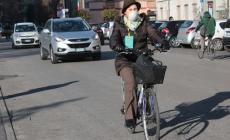 Troppo smog in città, scatta il blocco del traffico