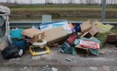 Rovigo horror tour: tra le immondizie in strada c'è pure un bidet