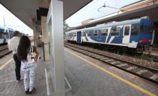 Treni, i ritardi continuano. Ma nelle tratte a rischio arrivano le ronde