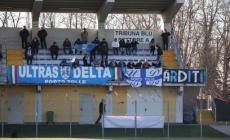 Tifosi del Delta picchiati e rapinati della sciarpa, indagati 5 ultrà dell'Adriese