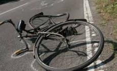 Adria, anziana in bici travolta da un'auto, è grave