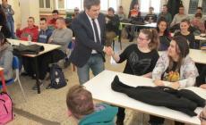 Sindaco tra i banchi di scuola: Bergamin in visita all'Enaip