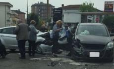 Schianto in viale Porta Adige, auto distrutte ma nessun ferito