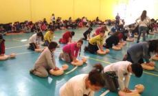 """Bambini """"salvavita"""", alunni a lezione di primo soccorso"""