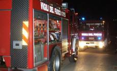 Adria, Lancia Y in fiamme. Momenti di paura per i residenti