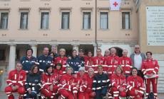 I volontari della Croce rossa marciano per la città