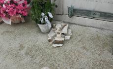 Crolla il cornicione del cimitero