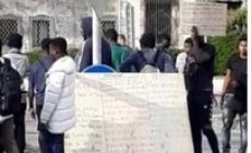 La protesta dei profughi: in cento in corteo