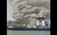 Clamoroso incendio in un impianto di trattamento rifiuti di Marghera