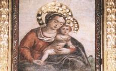 Ladri vandali sfregiano l'affresco della Madonna per rubare la corona