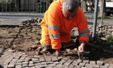 Porfidi, interventi in centro storico contro le buche da record