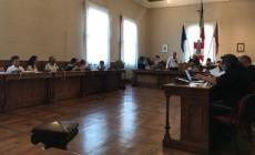 Ceta e No-vax, bagarre in consiglio comunale