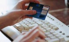 Migliaia di euro fatti sparire grazie alle carte di credito clonate
