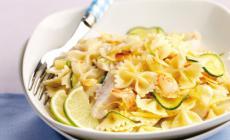 Insalata di pasta mediterranea un bel piatto veloce e fresco