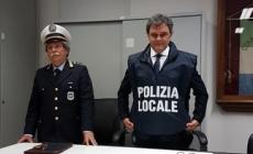 Aumenta il carico di lavoro, diminuisce il personale della polizia locale