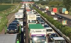 Mattina di inferno in A13: due incidenti e traffico in tilt