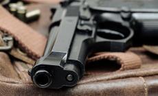 """Minaccia il compagno con la pistola """"fantasma"""": arrestata"""