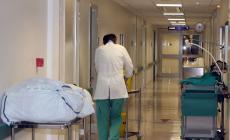 """""""Sanitari esasperati, combattono contro il virus senza protezioni"""""""