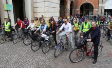 I candidati sindaco scoprono la città in bicicletta e i punti più critici