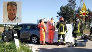 Scooter contro un'auto: muore un notissimo medico