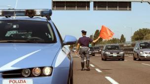 Terribile schianto in A13: c'è una vittima. Autostrada chiusa