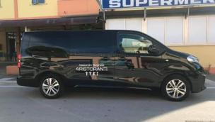 Avvistato il Van dai vetri oscurati di Alessandro Borghese