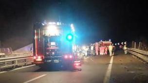 Incidente sulla A13, direzione Rovigo. Tre morti: distrutta una famiglia, neonata tra le vittime
