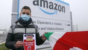 Lavoratori Amazon in protesta nel giorno dei super sconti