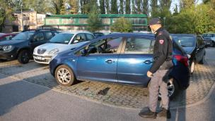 Devastante raffica di furti in auto in stazione