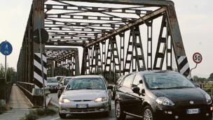 """""""La ruggine sta mangiando il ponte"""""""