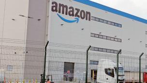 """La risposta di Amazon: """"Assumeremo chi ha lavorato qui"""""""