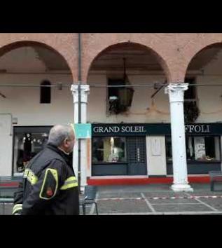 Rischio crollo per i portici di piazza Vittorio Emanuele II