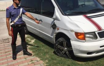 Ubriaco falcia due ciclisti e scappa: rintracciato e arrestato