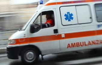 Perde il controllo dell'auto, incidente mortale in Romea