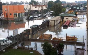 Un'ora incessante di pioggia su Adria: è allarme allagamenti