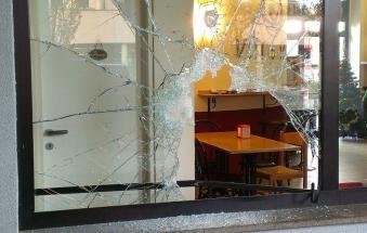Notte da incubo, ladri all'assalto dei negozi
