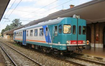 Scende per obliterare il biglietto ma il treno riparte: la figlia di 8 anni rimane sola