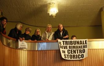 Vogliamo il tribunale in centro. Il sindaco: si può