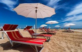 """L'appello dell'Ulss: """"Venite a fare le vostre vacanze nelle nostre spiagge. Sono sicure"""""""