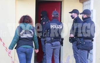 50enne trovato morto in casa, si indaga