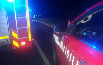 Tragedia sulla regionale, 16enne in moto muore travolto da un'auto