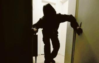 Ancora assalti dei ladri in casa, allarme a Zampine