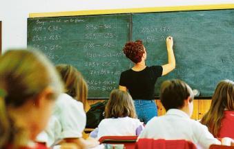 Scuola: si studiano classi ridotte contro il virus