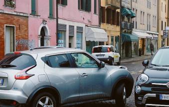 """""""Entro il 31 marzo stop alle auto in piazza Merlin. Arriva il varco""""."""