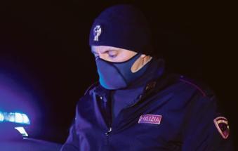 Coprifuoco violato in gruppo e droga a Grignano: scattano le multe