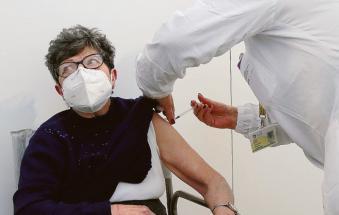 Verso la terza dose di vaccino per tutti