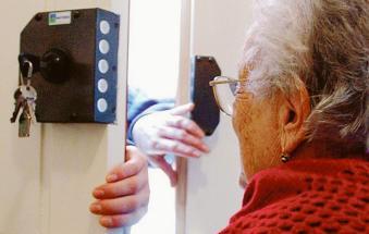 Attenti, sono tornati gli sciacalli: doppio assalto agli anziani