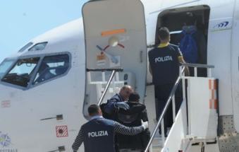 Cacciati dall'Italia i due pusher: qui non sconteranno neppure la pena
