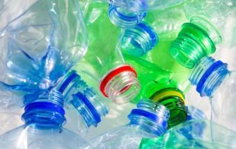 """""""Una soluzione per i rifiuti in plastica"""""""
